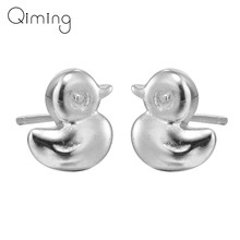 fashion Cute Donald Duck Stud Earrings Cute Lovely Kids Animal Tiny Baby Animal Earrings Cute Lady Women Jewelry Gift(China)