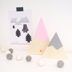 2PCS/SET Wooden Crafts Hill Set Of Ornaments Toy Creative Decoration Baby Toys Take Props Figurines & Miniatures Crafts MH 008