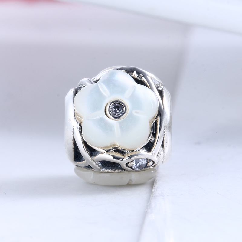New Fashion DIY Jewelry Beads for Jewelry Making Luminous Florals Charms Fit Pandora Original Silver 925 Bracelets DIY Charms
