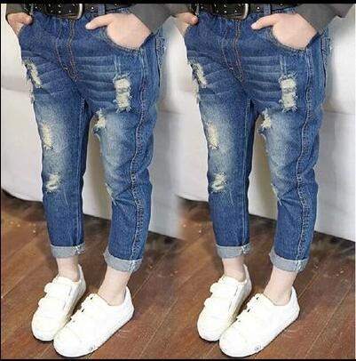 Ropa de 2017 niños del resorte delgado sólido agujeros de mezclilla azul bebé niñas niños jeans para niñas niños niños causales jeans largos pantalones