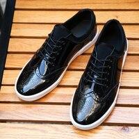 牛刻まれた男性の靴春新しいカジュアルボードの靴青少年野生潮靴韓国通気性イングランドスニーカー