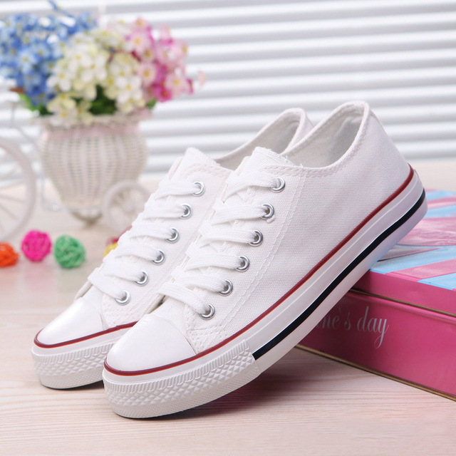 2019 Women Vulcanized Sneakers Breathable Flat Casual Classic Shoes Woman Spring Autumn Canvas Shoes White Black Red