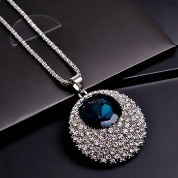 Blue Rhinestone And Crystal Round Shape Pendant Necklace