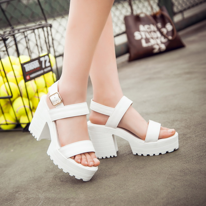 Drop Shipping White Summer Sandal Shoes For Women 2019 New Arrival Thick Heels Sandals Platform Casual Russian Shoes