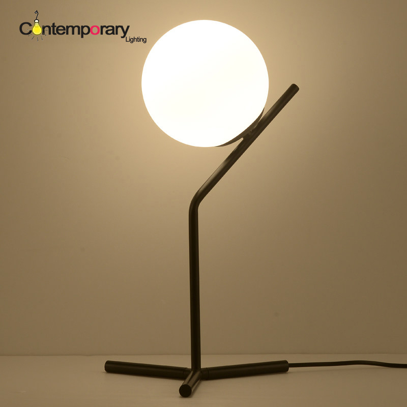 Cheap E27 Black White Northern Europe Minimalist Modern Simple Glass Ball  Table Lamp For Living Room