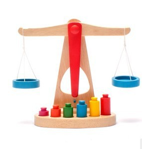 Free shipping !Baby Montessori Wooden Toy Learning Resources Pan Balance Kids Educatioal toys ChildToy Balance Scale Gift learning resources набор пирамида из пончиков