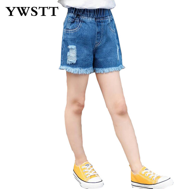 5c1bac2a204d84 € 6.28 50% de réduction|2018 bébé fille Denim Shorts Jeans mode trous  conception été coton enfants Shorts enfants Cool Denim filles vêtements ...