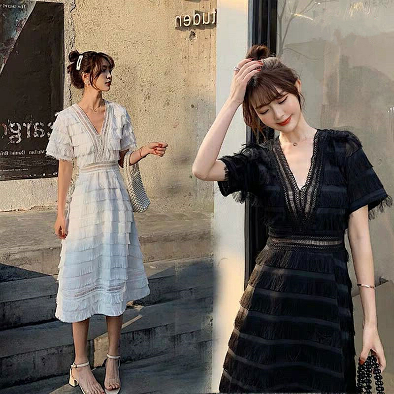 2019 summer new cool wind dress long section high waist V neck black and white temperament fairy