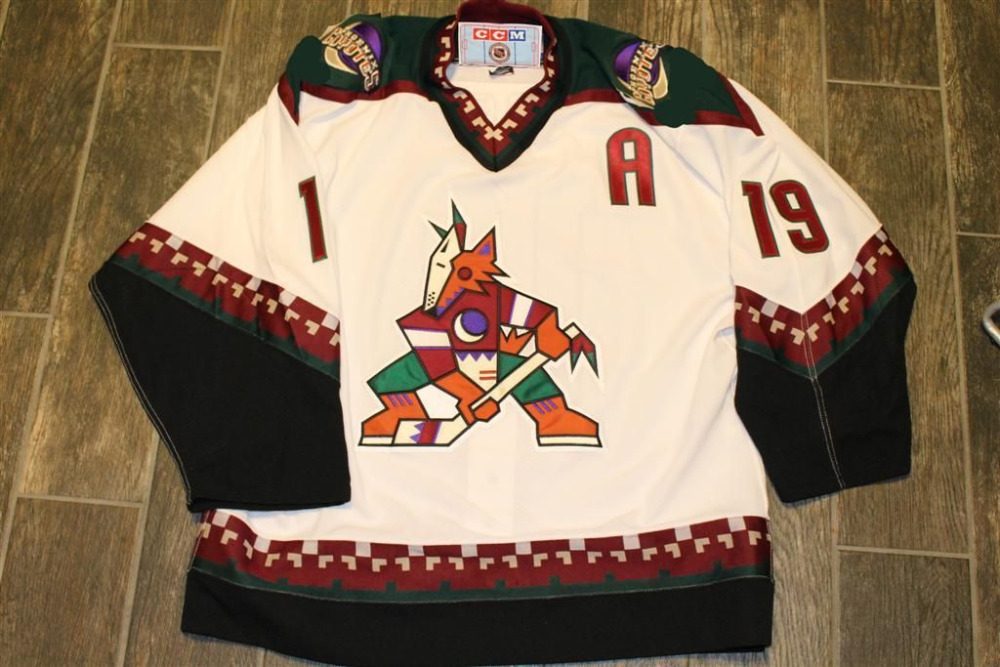 0721bb51d Phoenix Coyotes 19 Shane Doan Men s Hockey Jersey Embroidery Stitched  Customize any number and name-in Hockey Jerseys from Sports   Entertainment  on ...