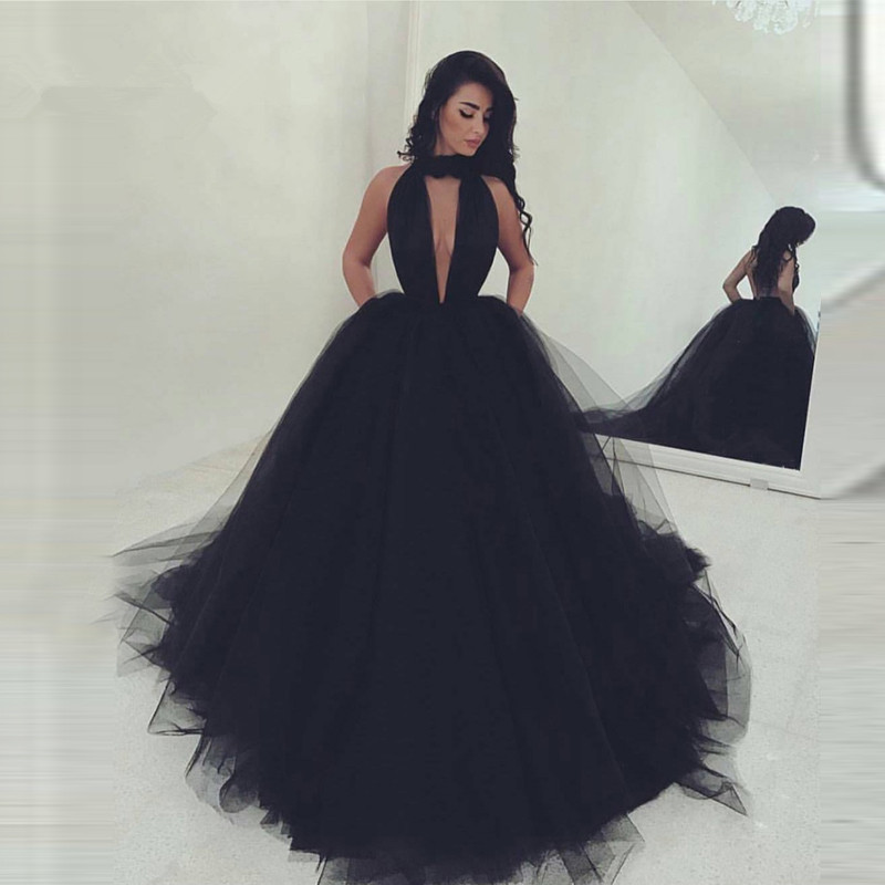 Black Muslim Wedding Dresses 2019 Ball Gown Halter Tulle Open Back Sexy Islamic Dubai Saudi Arabic Long Wedding Gown