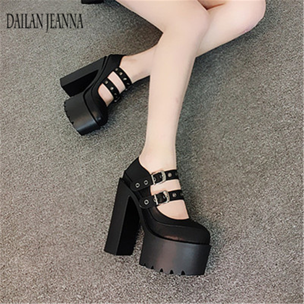 The new spring and summer 2018 muffin thick with dance T Taiwan Hentian high 15cm super high heels Club shoes shoes 15cm club shoes big star with steel tube dancing shoes 34 and 46 yards high with the lacquer that bake single crystal shoes