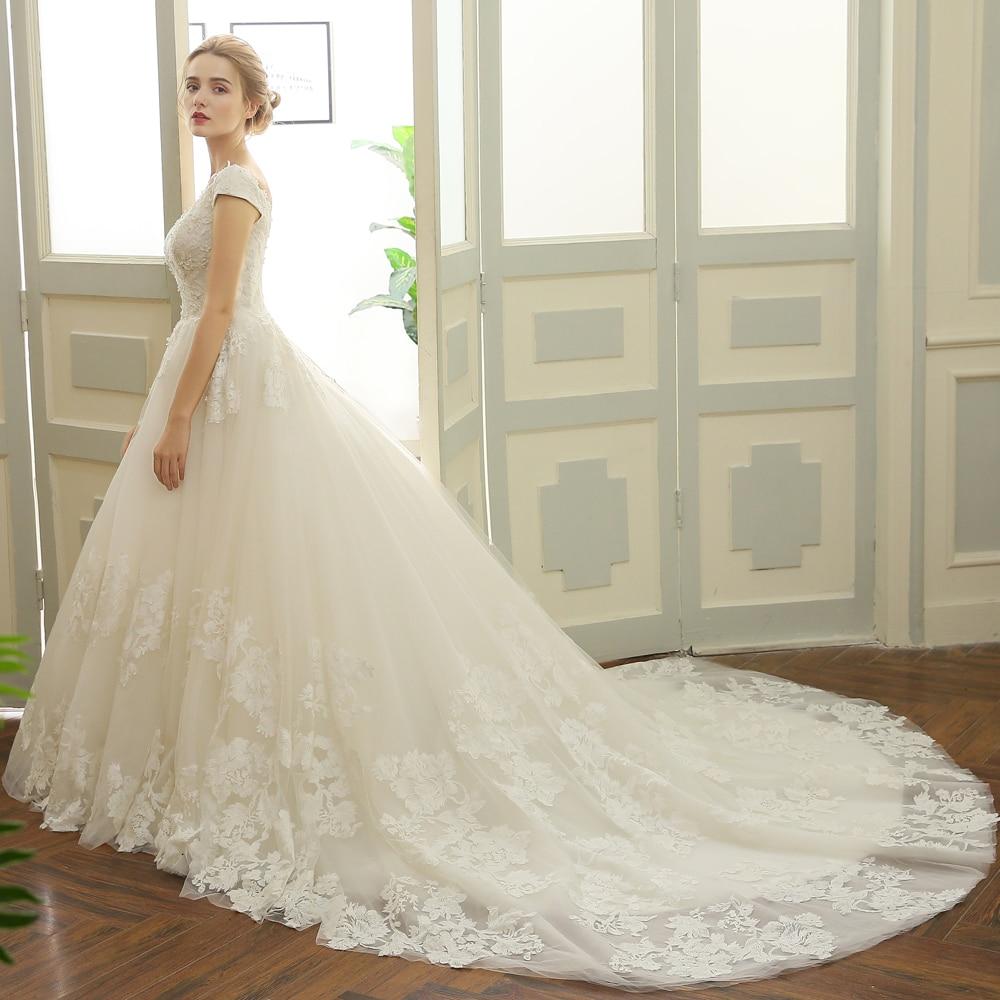Großzügig Plus Size Hochzeitskleid Bilder - Hochzeit Kleid Stile ...