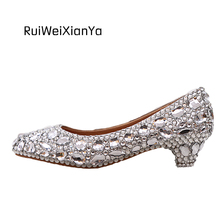 2017 New Fashion Spring Zapatos Mujer Pointed Toe Women Shoes Low Heels Silver Wedding Shoes Crystal for Bridal Plus Size Hot
