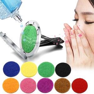 Image 3 - Ambientador de aire para coche, difusor de perfume, pinza de ventilación automática, aceite esencial, medallón (10 recambios gratis), c001