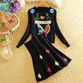 Bordado de flores de Punto Suéter de La Falda de Las Mujeres de Invierno 2017 Otoño Sudadera de Manga larga Femenina de Punto Traje con Una Falda 2 pieza