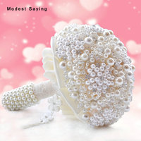 Elegant Ivory Artificial Pearls Wedding Bouquets 2017 for Brides New Fashion Bridal Lace Handle Bouquets Wedding Accessories