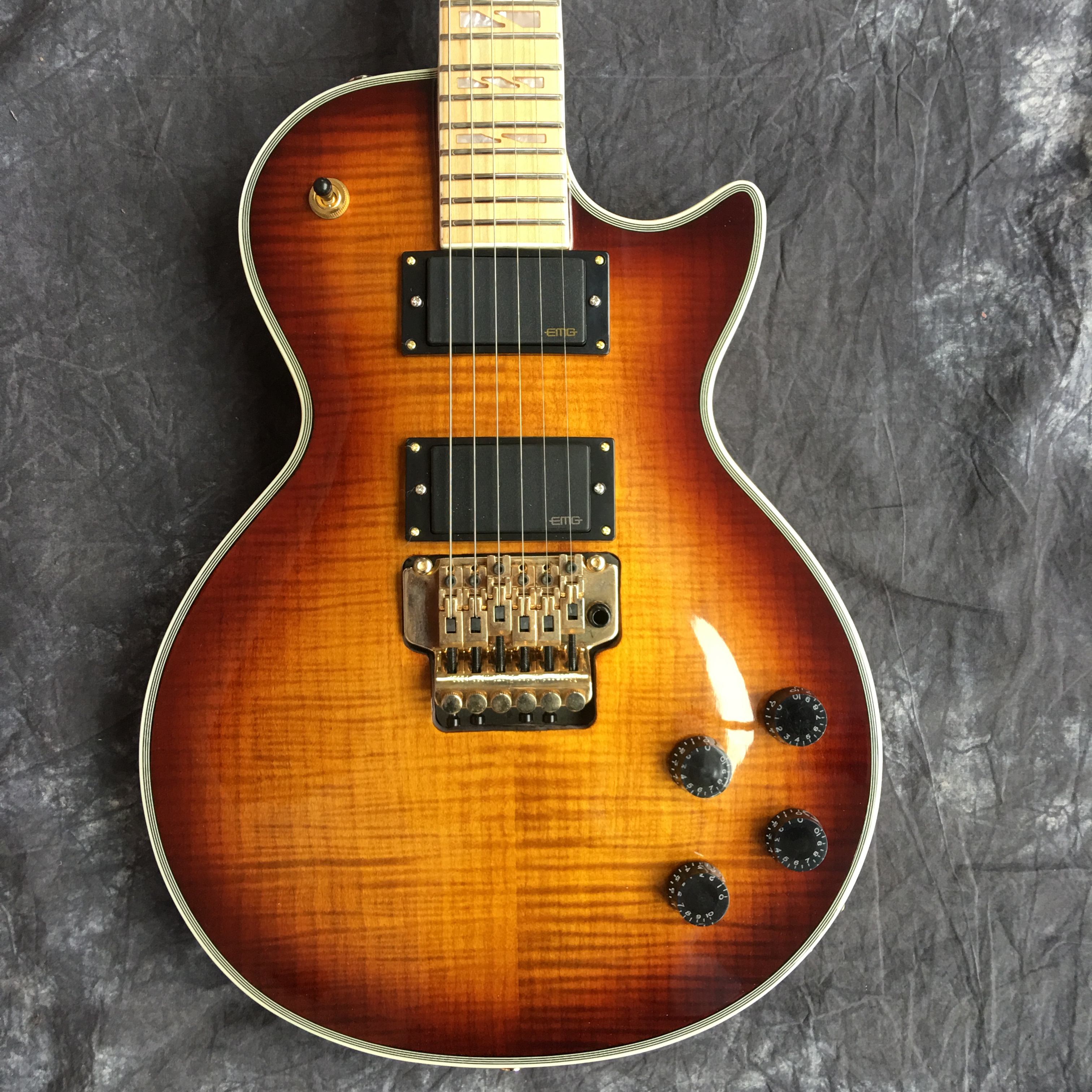 2019 Electric guitar, LP, new style, high quality guitar, vibrato system, free shipping(China)