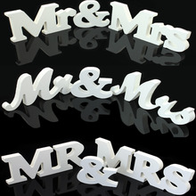 1 Set Solid Mr & Mrs Wooden Letters for Wedding Decoration Sign Top Table Present Decoration 3 styles