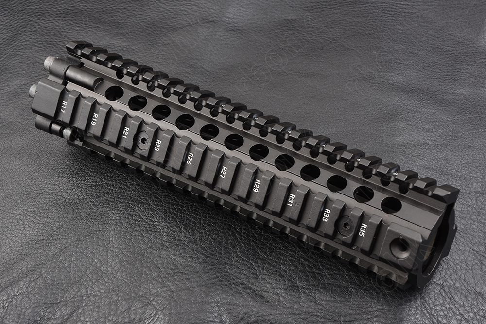 Hunting shooting Tactical AR 15 9 inch Four sides 20mm picatinny rail Handguard system cnc Aluminum alloy cutting M2299