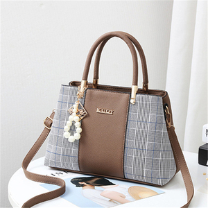 Image 2 - 21club Brand PU Leather Large Capacity Woman Handbag Grid Shoulder Bag Fashion Casual Luxury Designer Crossbody Women Handbags