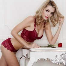 Fashion lace padded cup