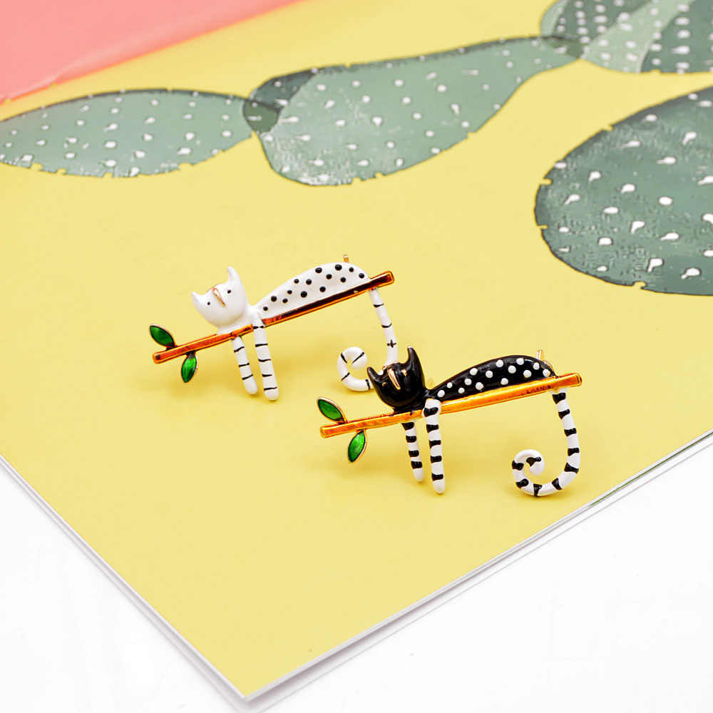 Cindy xiang preguiçoso gato broche esmalte pino caixa animal kitty broches para as mulheres crianças pino 2 cores escolher jóias de verão bom presente
