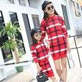 2016 Stripped Vestido de Lã de Moda Família de Mãe e Filha Combinando Combinando Roupas Outono Saias Conjuntos Para Senhoras E Menina Camisola