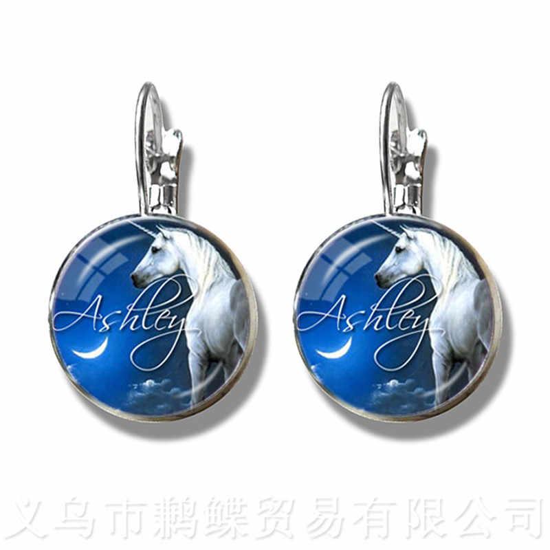Leuke Paarse Eenhoorn Fly Paarden 16mm Glas Cabochon Oorbellen Jewely Verzilverd Stud Oorbellen Voor Vrouwen Meisjes Gift