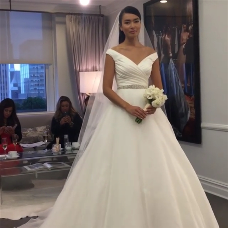 Sample Wedding Dress V Neck Satin Pleat Wedding Gowns Famous ...