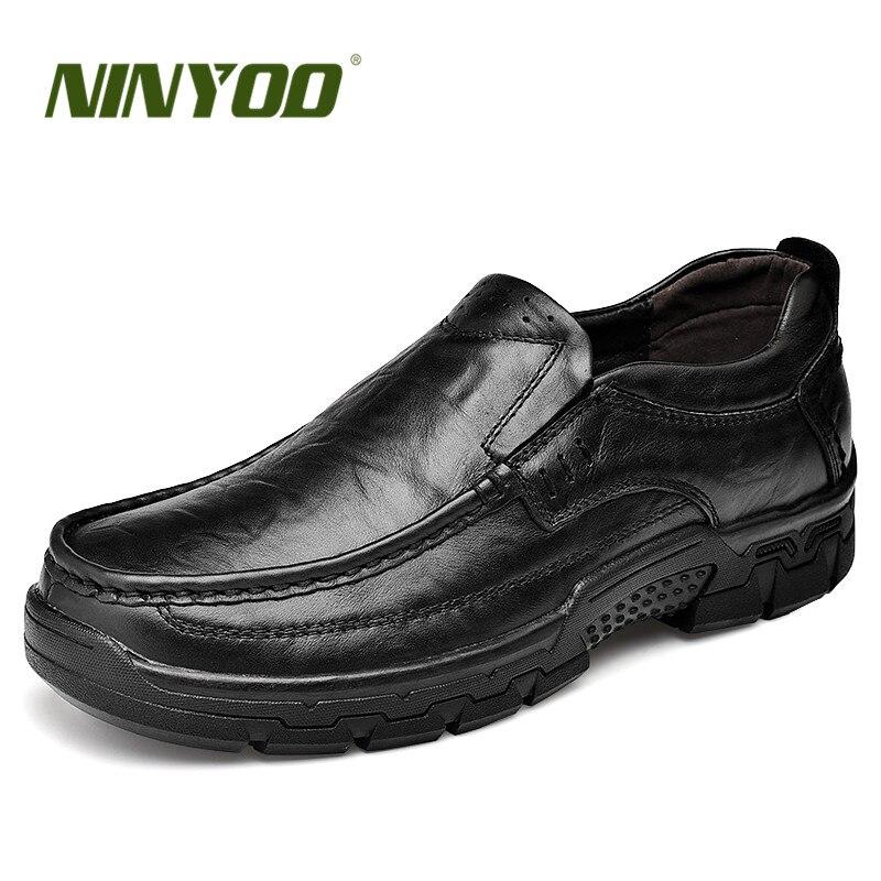 adc24c863da74c Sur Hommes Glissement En Mens Père Shoes Nouveau Wearproof Chaussures La  Shoes Winter Cuir Grande Noir Véritable ...