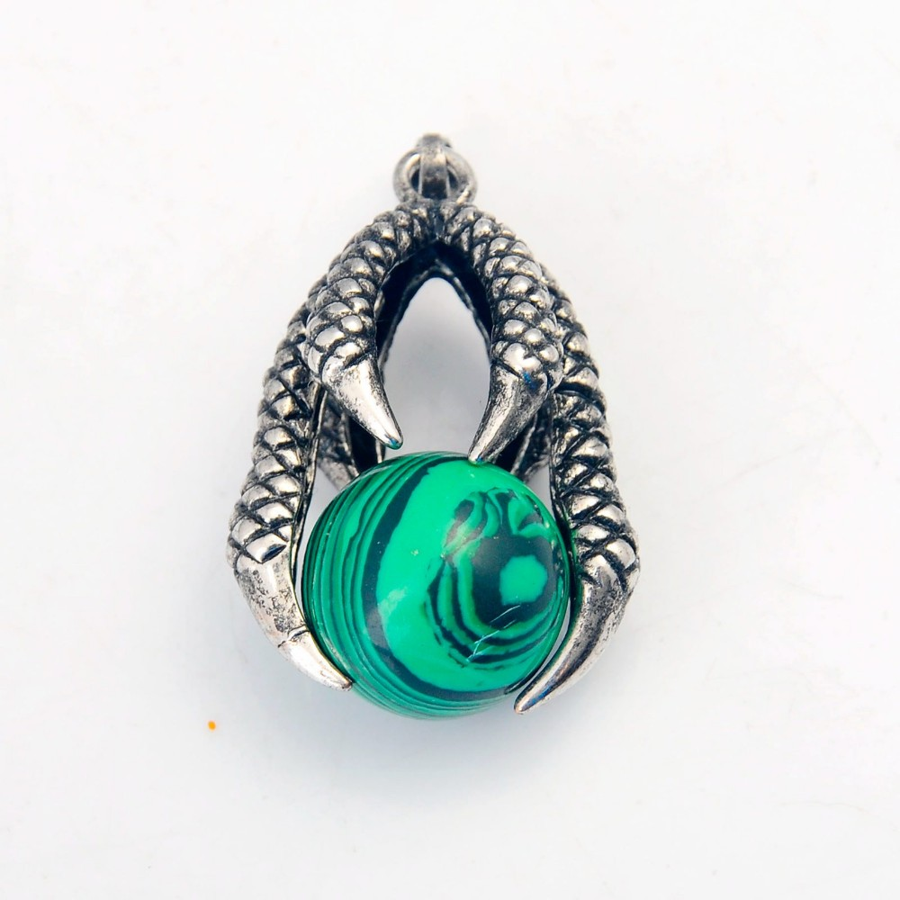 Natural Green Stone Dragon Claw Neclkace pendant
