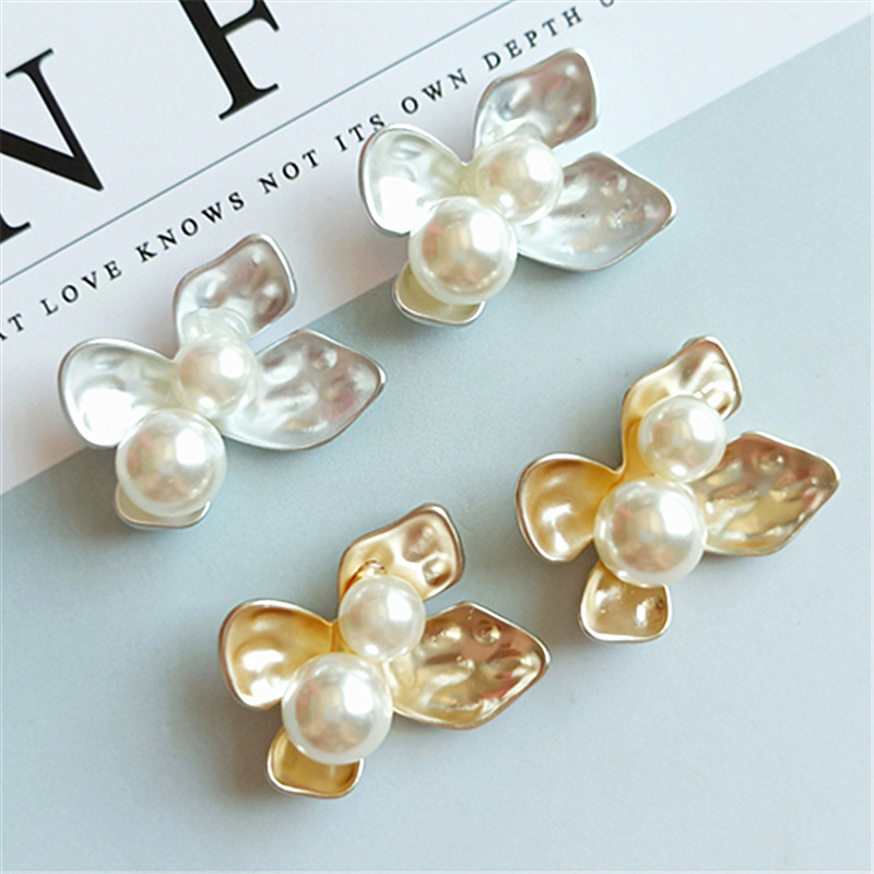 10 pcs lot Rhinestone Diamond Pearl Rabbit Buttons Alloy Diy Handmade Hair Accessories Necklace Mobile Beauty Key Ring jewelry in Buttons from Home Garden