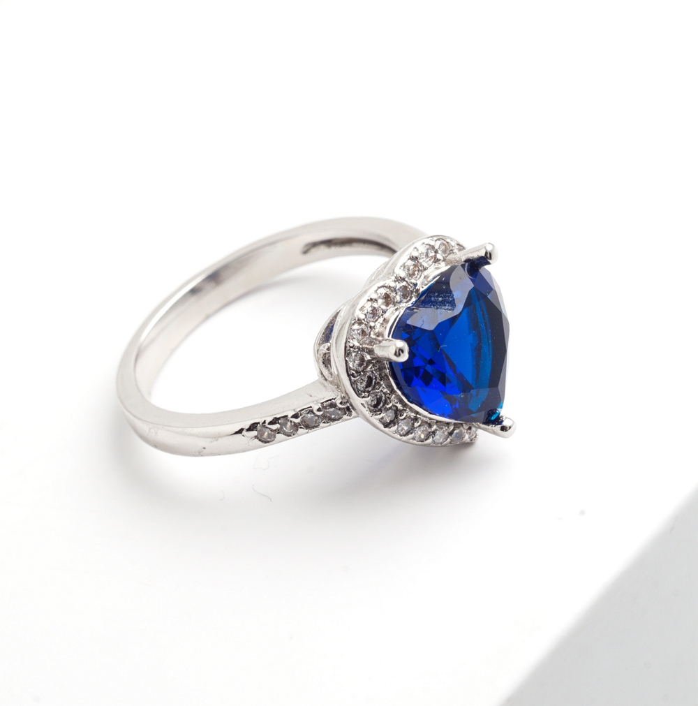 Yunkingdom love heart design fashion romantic ring dark blue cz crystal Rings for Women costume jewelry X0030 2