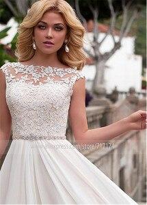 Image 2 - Zarif Şifon Bateau Boyun Çizgisi A Line düğün elbisesi Dantel Aplikler ve Süpürgelik Gelin Elbise Düğmesi vestidos