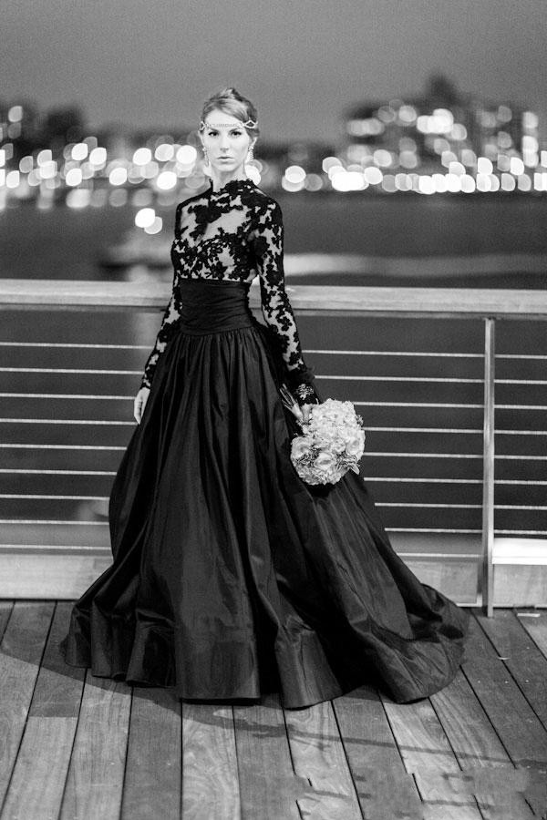Cecelle 2019 New Vintage Gothic Black Wedding Dresses Long Sleeve Sheer Neck Taffeta Colorful Bridal Gowns Non Traditional
