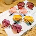 Templos de Metal sem aro Mulheres Em Forma de Coração Óculos De Sol Feminino Óculos de Sol Da Moda das Mulheres de Cor AMOR Design de Lente de Óculos Sem Armação