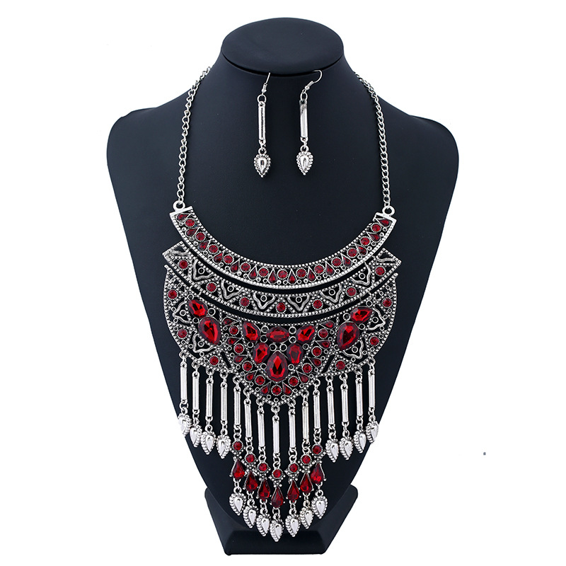 LZHLQ Vintage Hollow Maxi Chunky Necklace Geometric Rhinestone Water Drop Long Tassel Necklace Fashion Metal Plated Jewelry