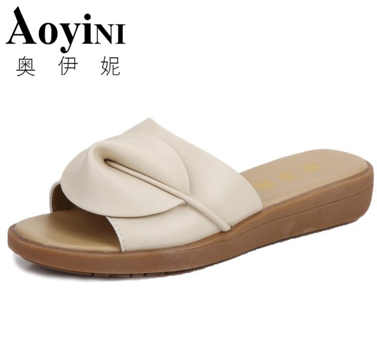 2018 New Womens Sandals Slippers Flip Flops Fashion Platform Sandals Leather Wedeges Slippers Heels Beach Slippers Slides Shoes
