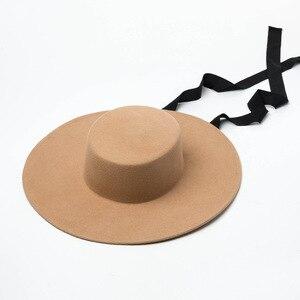 Image 1 - 01906 HH8142 الخريف الشتاء شقة قبعة الجاز الصوف طويل شريط أسود قبعة فيدوراس الرجال النساء الترفيه بنما قبعة