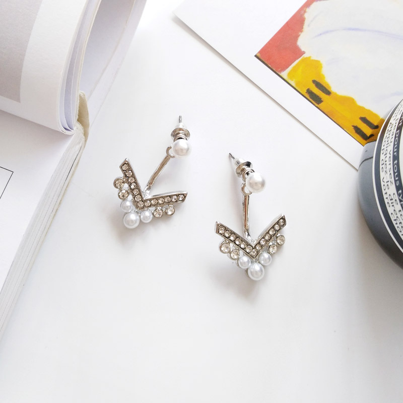 Hot Selling Jewelry V Shape Zinc Casting With Pearls Earring For Woman in Drop Earrings from Jewelry Accessories