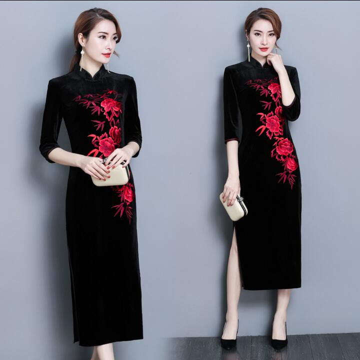2018 New Women Traditional Chinese Dresses Gold Velvet  Female Satin Long Cheongsam Qipao Clothing Flower