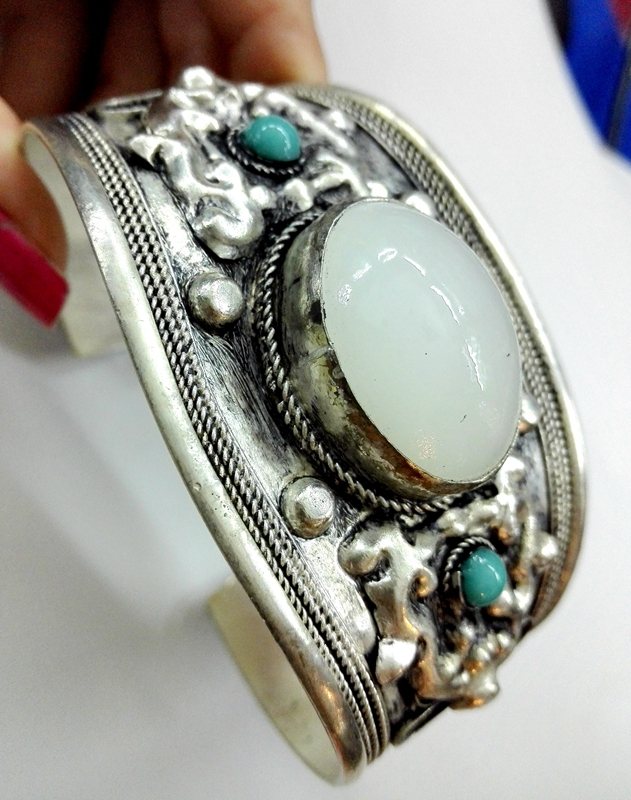 Charm White Moonstone Cuff Bracelet Bangle Tibet Silver Carved Unisex Gift