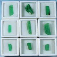 Klasy naturalny szmaragdowy mineralne okazy, w których utrzymuje się zwierzęta ozdobne kamienie mineralne kryształ diy pudełko z biżuterią LuoShi rudy oryginalny kamień