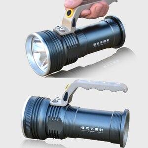 Image 4 - 8000LM LED זרקור פנס ארוך טווח בחוץ פנס נטענת עוצמה חיפוש הבזק אור לפיד עם 18650 סוללה