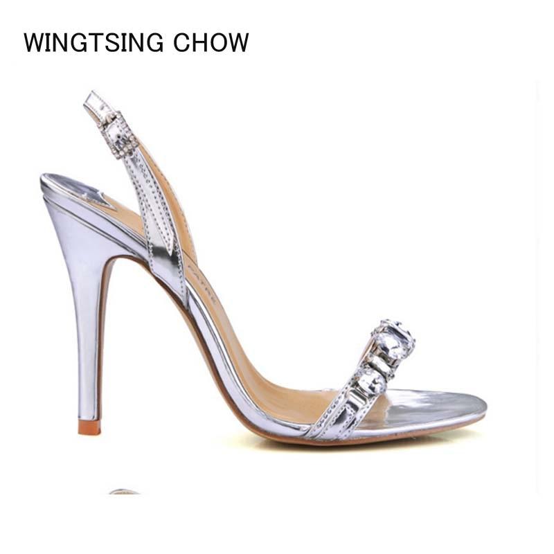 2edd99d3d 2018 novas mulheres marca de moda gladiador sandálias de salto alto  elegante strass verão fivela prata ouro bombas festa de casamento calçados