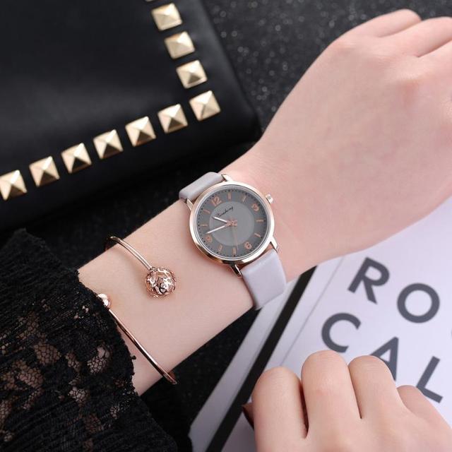 יד טמפרמנט פשוט שעון נשים 2018 אופנתי עסקי גבירותיי שעוני יד מזכרת יפה קוורץ שעון נשים # D