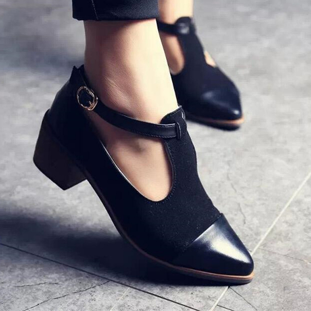 bc20be1031c 2018 Vintage Oxford Shoes Women Pointed Toe Cut Out Med Heel Patchwork  Buckle Ladies Shoes Flats WFS112