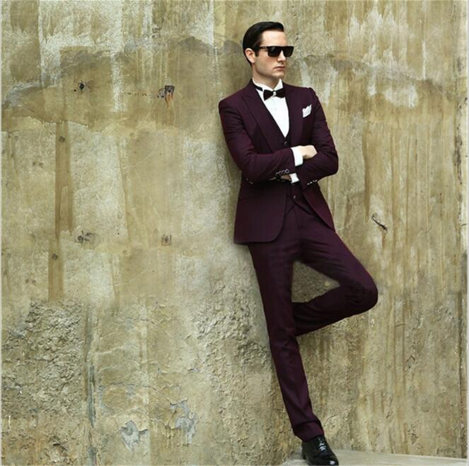 8880fab3083 2017 New Burgundy Men s Dinner Party Prom Suits Groom Tuxedos ...