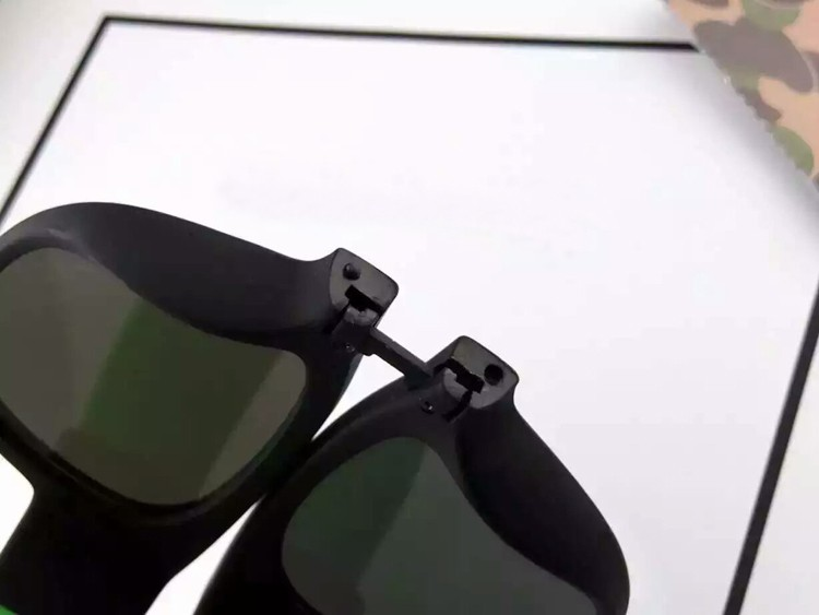 Portable Folding Bracelet Sunglasses  (20)
