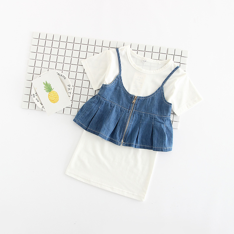 2017 summer New Korea sweet style Cute Kid Girls Dress Baby short sleeve T-shirt Dress + Denim Suspender tops Suit Outfit 2pcs 2017 new fashion kid girls clothes little girls summer short sleeve t shirt tops and cute heart striped legging pant 2pcs 1 6y